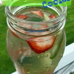 strawberry-cucumber-cooler