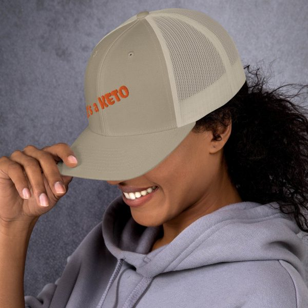 beig hat keto letters side view